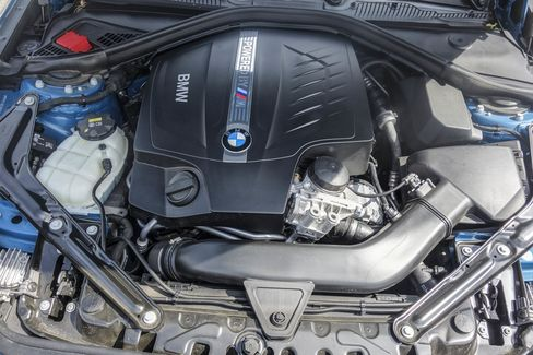 The six-cylinder TwinPower turbo engine.
