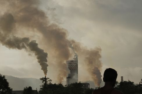 Pollution Fight Fading as European Leaders Battle Crisis
