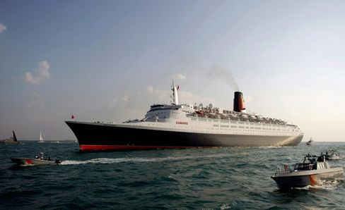 QE2 Transferred to Dubai Company for Transformation Into Hotel