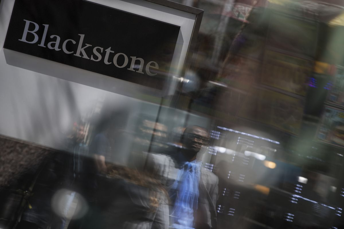 blackstone and the sale of citigroups loan Blackstone and the sale of citigroup's loan portfolio description finance & accounting case study | authors :: victoria ivashina, david s scharfstein the credit boom that preceded the 2007-2009 financial crisis led to several lending practices that exposed banks to large risks.