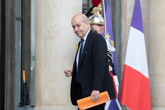 French Fume at U.S. for Cutting Them Out of Submarine Deal
