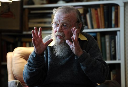 Farley Mowat, Chronicler of the Canadian North, Dies at 92