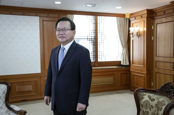South Korea Premier Sees 70% First-Shot Vaccination by End of September
