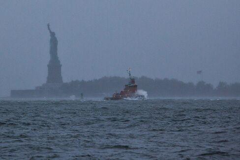 Hurricane Sandy Strengthens as Storm Barrels Toward New Jersey