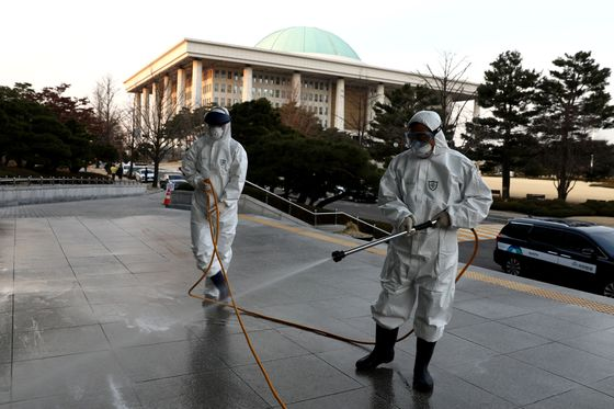 Cases Spike Outside China; More Deaths in Italy: Virus Update