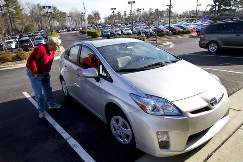 Toyota Sets Prius Sales Record on Bigger Lineup
