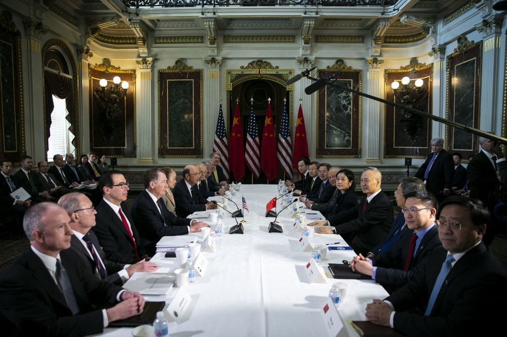 U.S.-China Said to Be Haggling Over How to Enforce Currency Pact