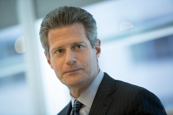 Och-Ziff Lures Cash With CLOs as Its Hedge Fund Clients Flee