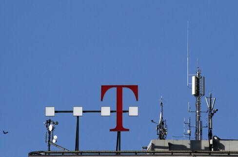 Deutsche Telekom Said to Weigh More Job Cuts to Increase Profit
