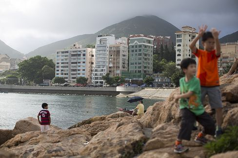 Hong Kong Stocks Show Property Collapse to BNP