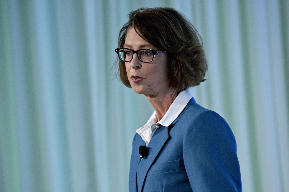 Fidelity Steps Up Fee War With Vanguard by Adding Low-Cost Funds