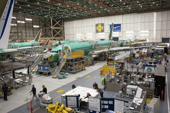 Boeing Cuts 737 Jet Output 19% as Global Groundings Drain Cash