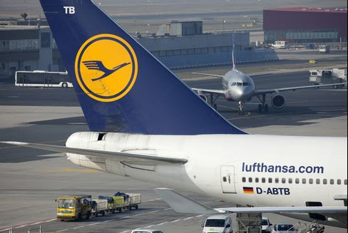 Lufthansa Vies With Air France for Low-Cost Cure to Europe Ills