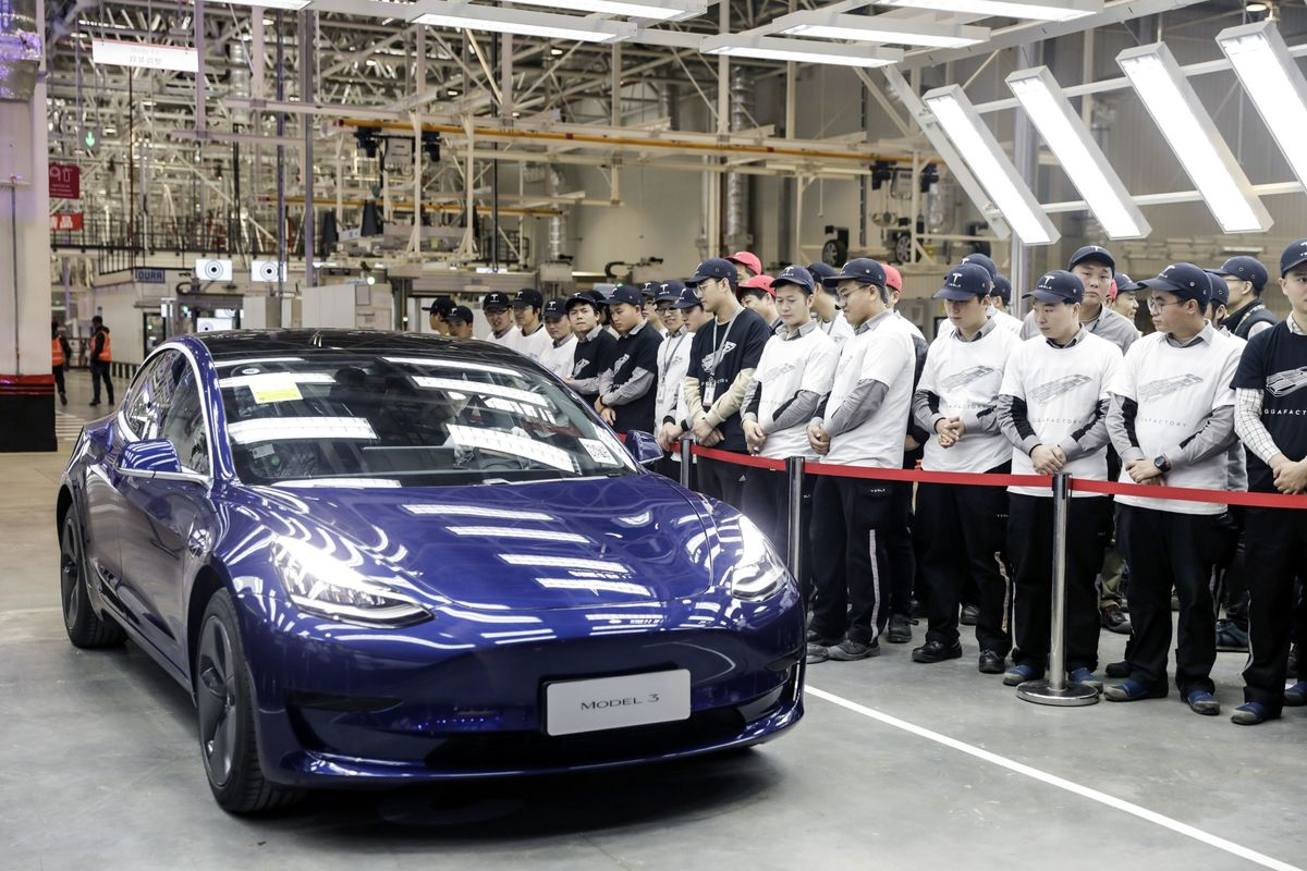 Tesla to Cut Price on Chinese Model 3 With CATL Battery