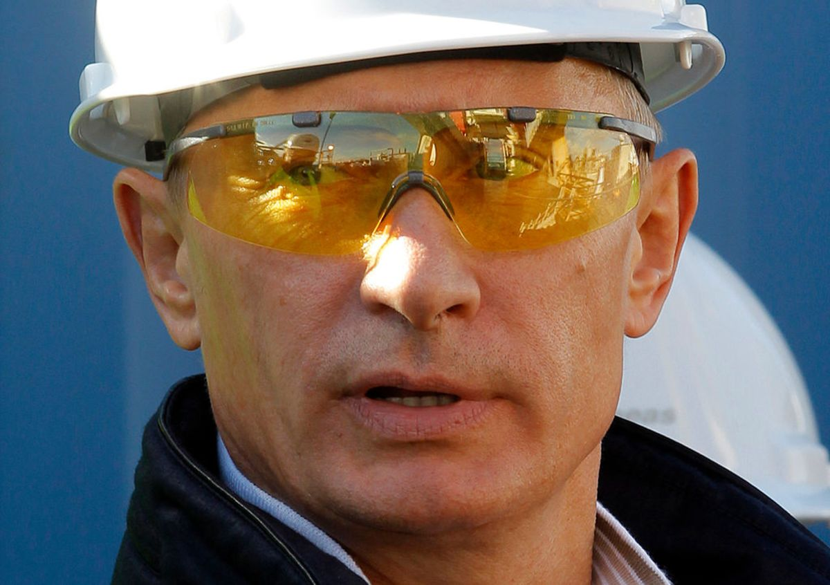 Why Russia Is Struggling to Build Putin's Grand Dream