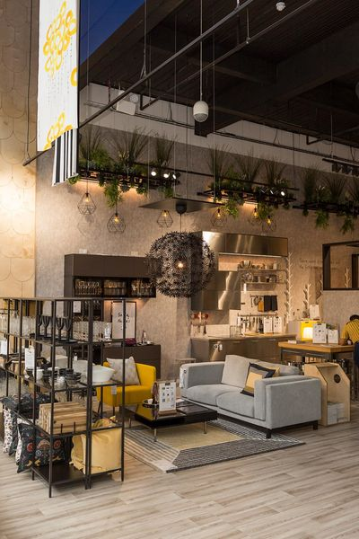 The Store Measures About 900 Square Meters, Vs. 25,000 Square Meters For A  Typical Suburban Ikea.