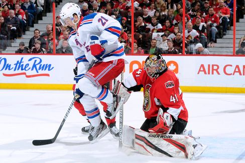 Rangers Win 3-2 to Force NHL Playoff Decider With Senators