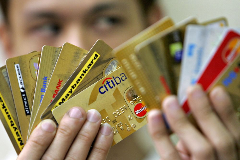 Have a Credit Card? You're Among China's Fortunate