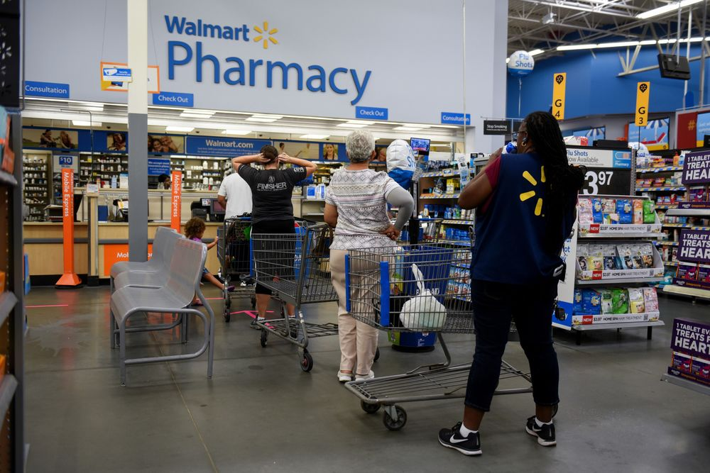 Walmart (WMT) Eliminates Some US Pharmacy Jobs - Bloomberg