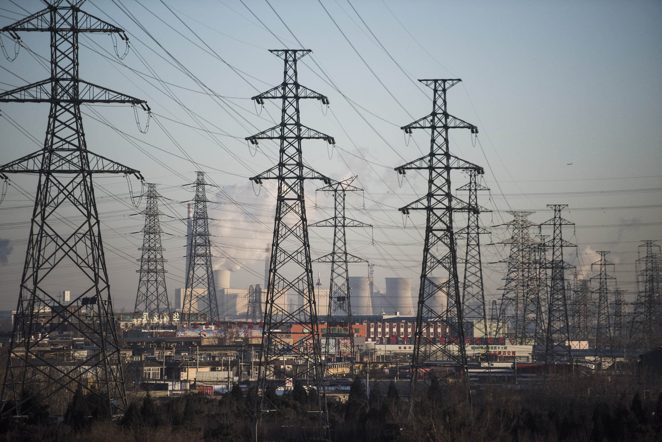 China Seeks to Export Power Amid Signs It Built Too Many Plants - Bloomberg