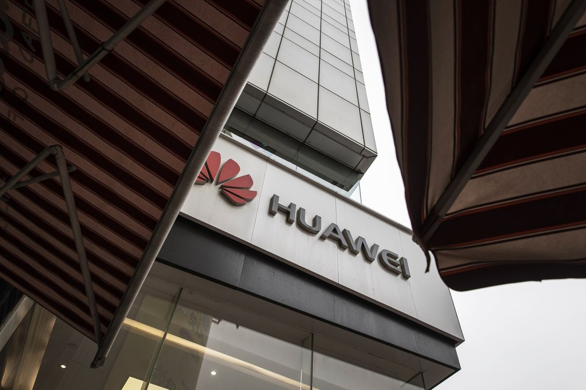 Huawei Deals for Tech Will Have Consequences, U.S. Warns EU
