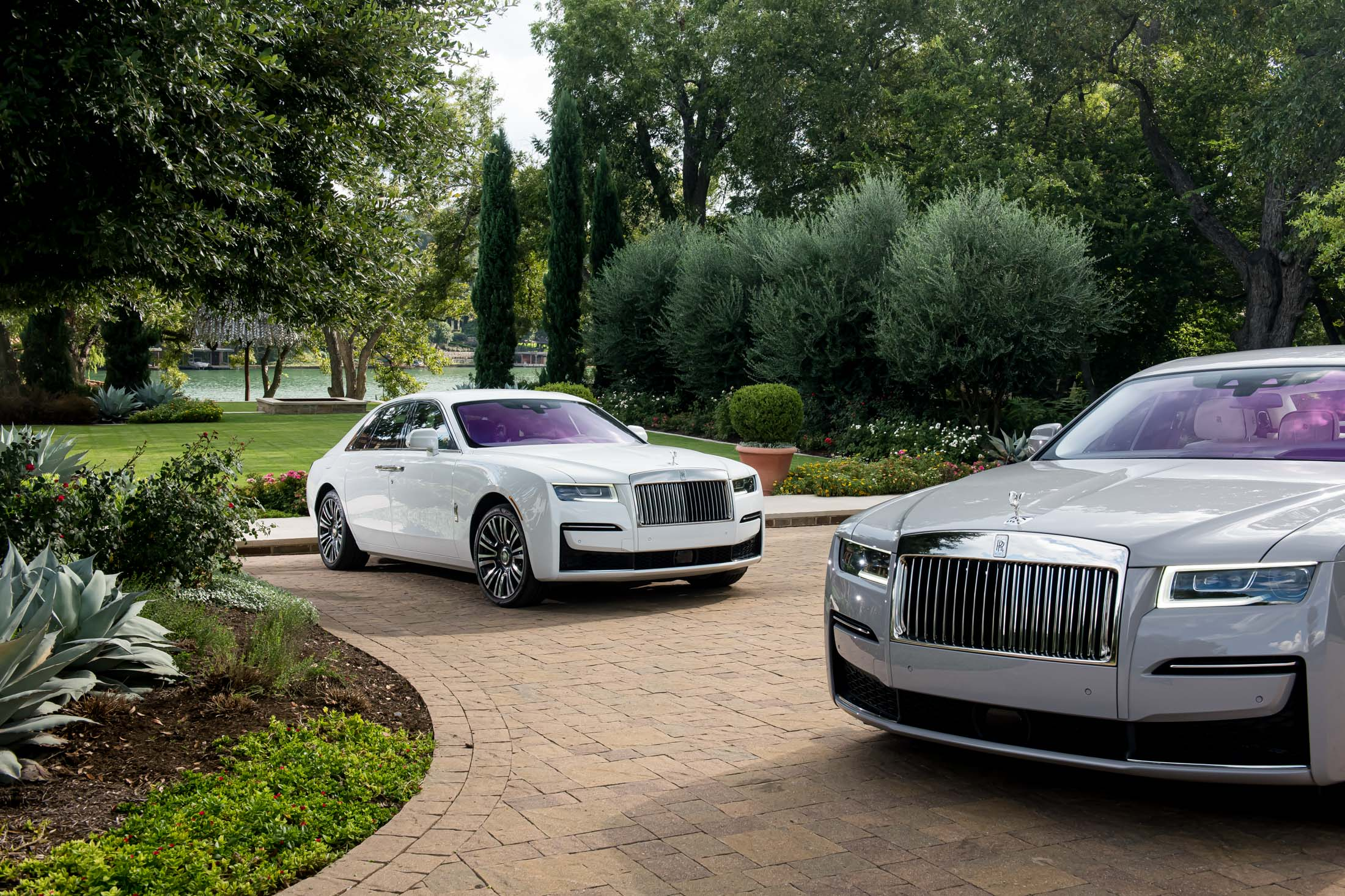 2021 Rolls Royce Ghost Review A Toned Down 332 500 Sedan Bloomberg