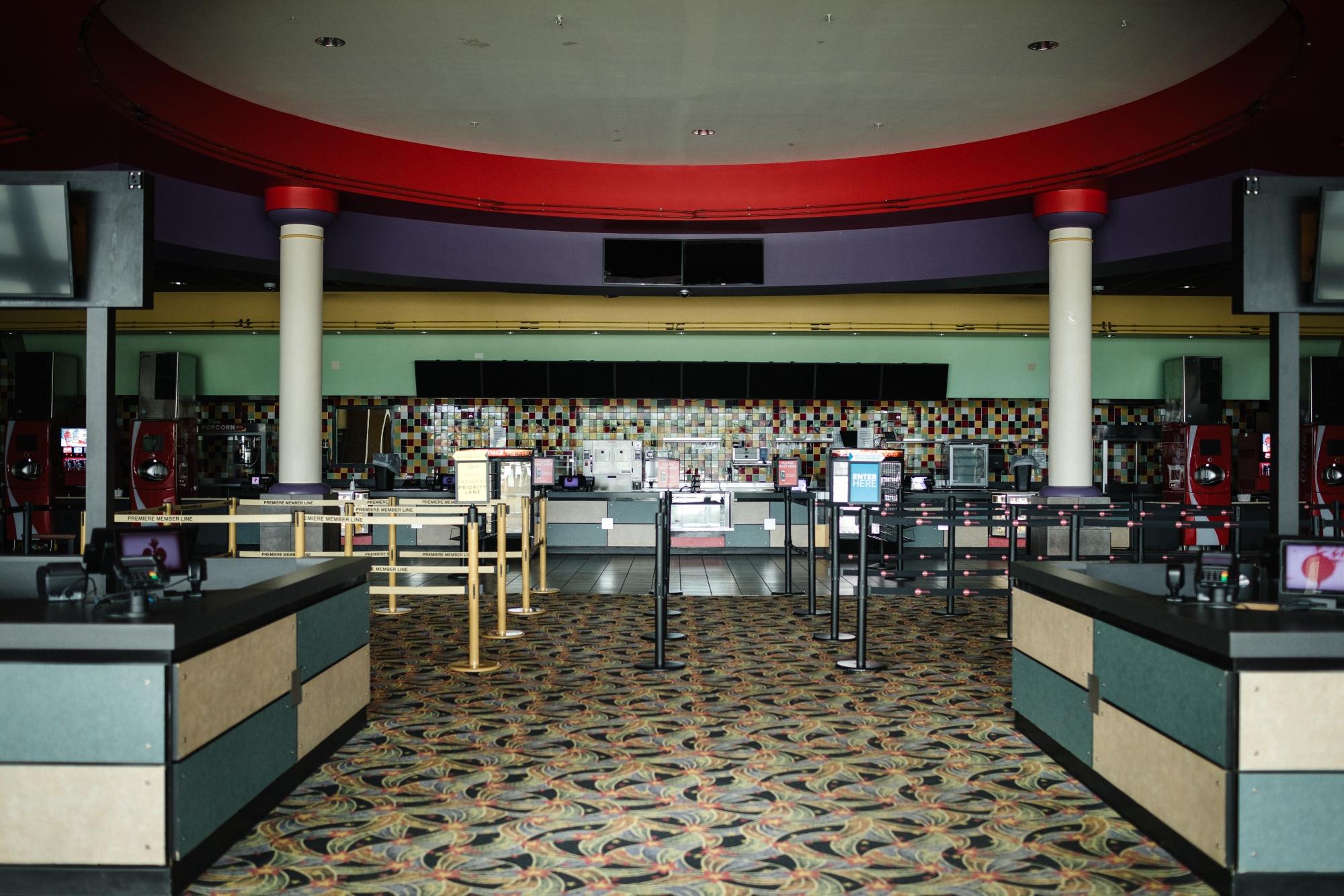 Amc Regal Rejected On Bid To Reopen N J Cinemas For Summer Bloomberg