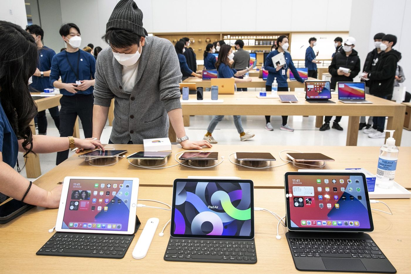Various models of the Apple Inc. iPad at the company's Yeouido store during its opening in Seoul, South Korea, on Feb. 26, 2021.