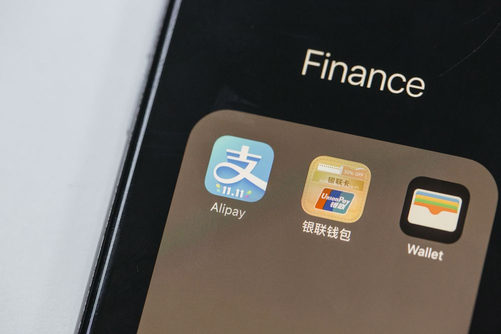 Banks Risk $1 Trillion Payment Business That Apps Make Look