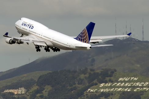 United Continental Profit Exceeds Estimates on Higher Fares