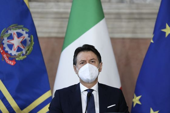 Conte's Options to Prevent Ally From Toppling Italy's Government