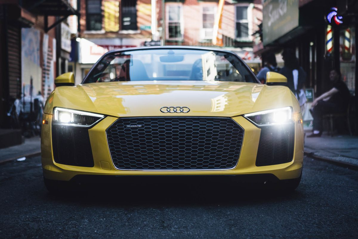2018 Audi R8 Spyder Review 175 000 Of Power And Precision Bloomberg