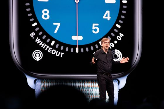 Apple's Watch Software Chief Takes Over Self-Driving Car Project