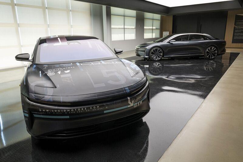 Imagen de un coche negro