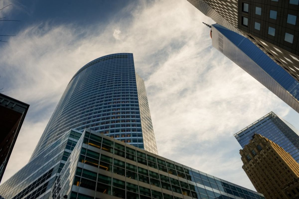 goldman sachs aims to cover 1 000 new investment-banking clients
