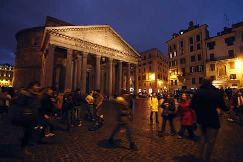 Italian Bonds Slump After Inconclusive Elections as Bunds Gain