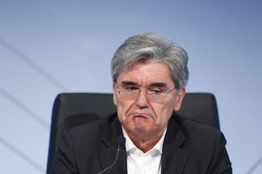 Siemens Boss Goes Off the Rails in Twitter Rant