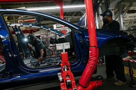 Tesla Scales Back Model 3 Output Amid Supply Chain Woes