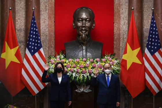 Harris Urges More China Pressure in Meeting With Vietnam Leader