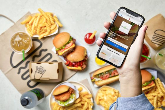 Shake Shack Brushes Off Quality Concerns With Dive Into Delivery