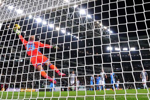Juventus Beats Napoli