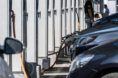 1473636302_china electric car charging station