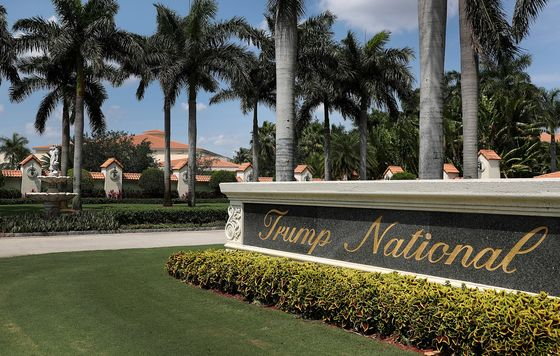 Trump Golf Resort Cuts Jobs on Unexpected Duration of Shutdown