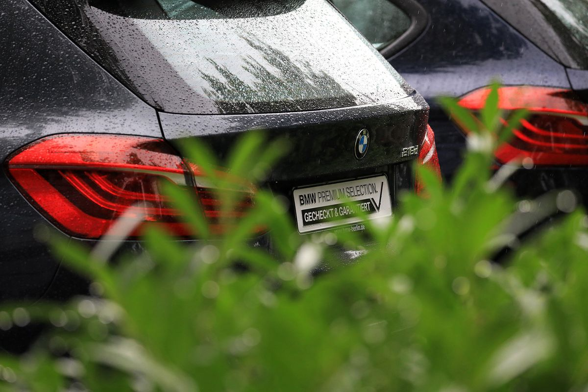BMW Dumps Coal in Pledge for 100% Renewable Power