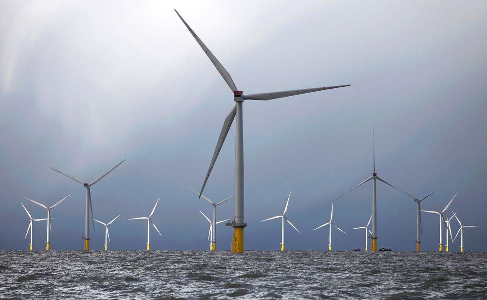 Крупные игроки меняют нефтяные вышки на морские ветряные электростанции
