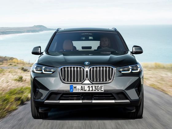 BMW Takes Lead in U.S. Luxury Market With Better Access to Chips