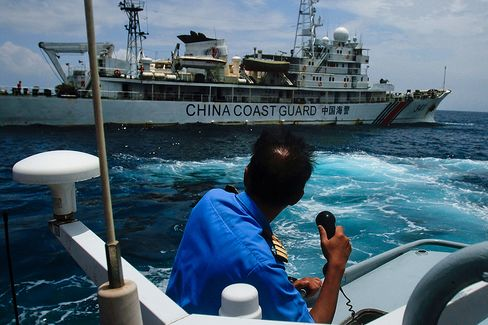 China Showcases Rising Maritime Power in Hunt for Malaysian Jet