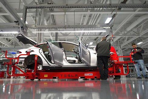 Tesla Pays Off Its $465 Million 'Loser' Loan