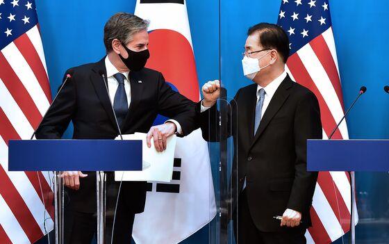 China Sits Atop Agenda as Biden, Suga Meet Amid Taiwan Tension