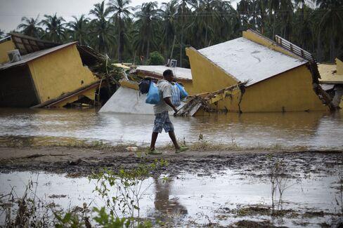 Eleven Die in Veracruz as Mexico Storms Kill More Than 100